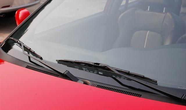 雨刷刮不干净玻璃如何解决?雨刷刮不干净玻璃解决方法
