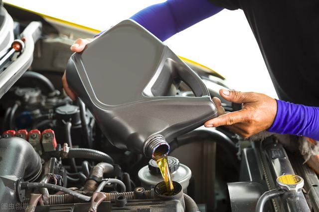 家用车何时更换机油?需要注意些什么?