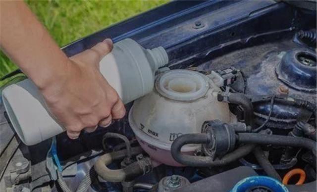 """车主:为什么刹车用了很长时间""""变松""""?老司机:主要是因为这两"""