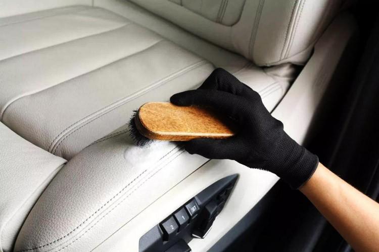 冬天汽车该如何保养?注意这几点,轻松解决问题!