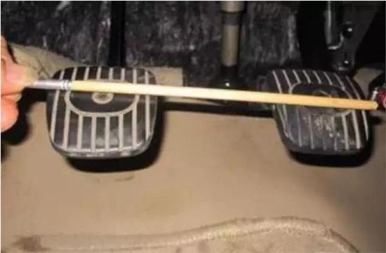 汽车有无隐患,一脚刹车就能试出来!
