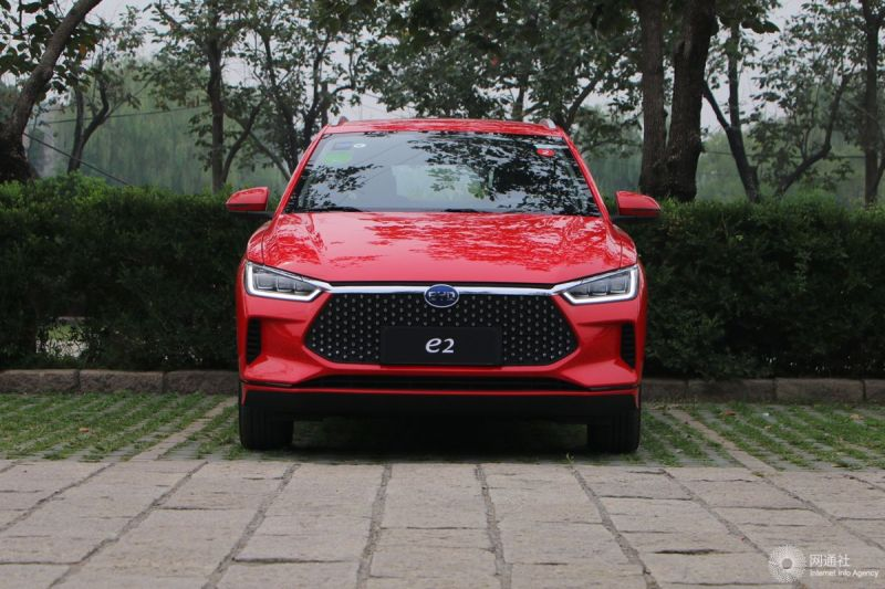 比亚迪e2出行版售13.98万 配倒车影像/胎压监测
