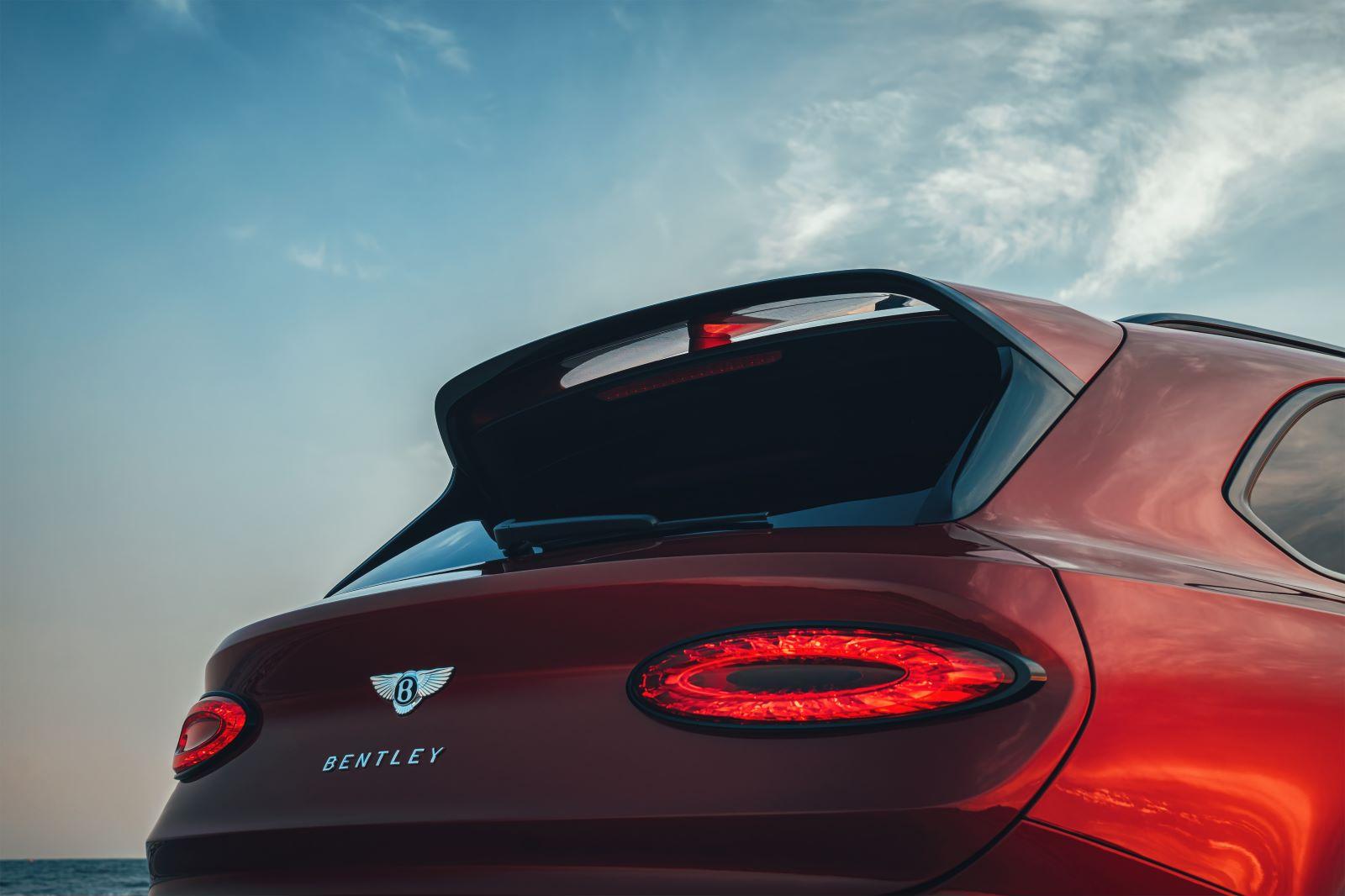 """宾利添越S正式发布 七座""""超豪华""""SUV车型"""