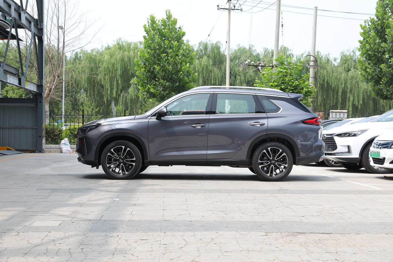 传祺GS4 PLUS售12.68万起上市  主打高性能SUV市场
