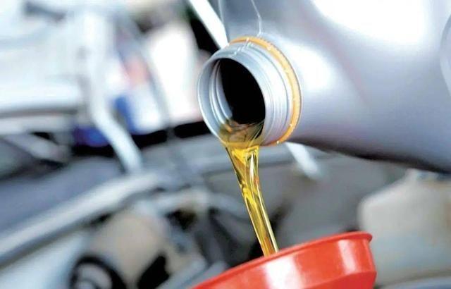 7000公里首保对车有没有影响,机油有几种类型