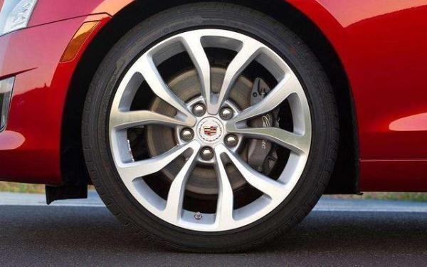 高速爆胎后果很严重,轮胎保养这些车主一定要知道