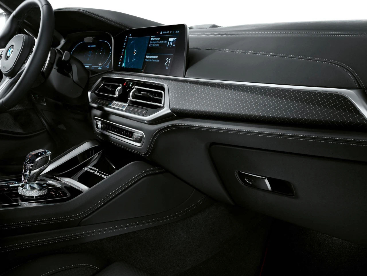 宝马旗下多款特别版SUV官图发布 将于8月上市
