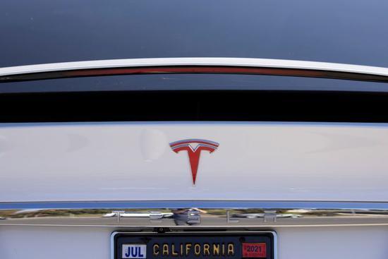 特斯拉召回9500辆ModelX和